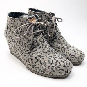 Toms Desert Wedge Ankle Booties, Gray Leopard